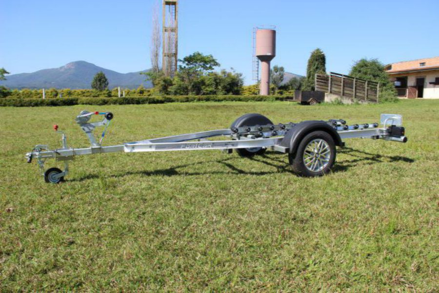 Carretinha para Jet Ski em Curitiba - 1